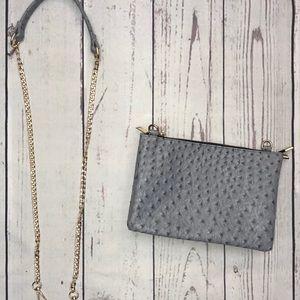 Handbags - ♣️♦️Clutch w crossbody strap